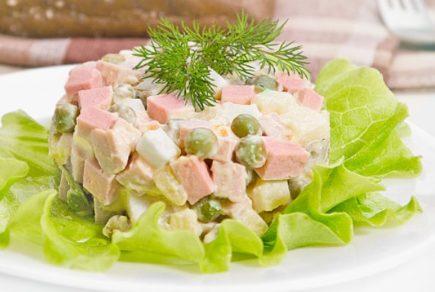 Салат Оливье рецепт классический с колбасой