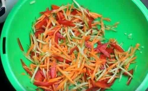 Овощи для слаата с фунчозой