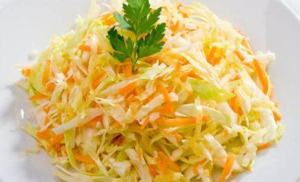 Вкусный салат из свежей капусты и моркови