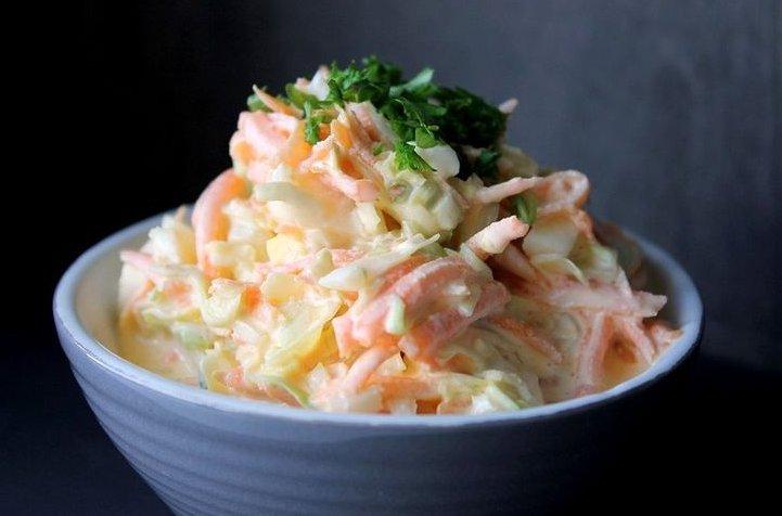 салат из капусты и морковью с майонезом и