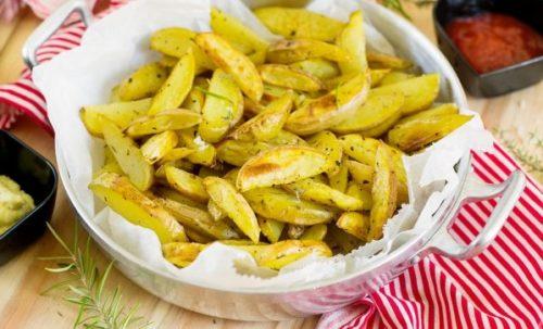 Картошка по-деревенски в духовке в рукаве