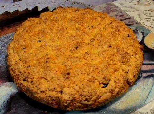 Домашний пирог на сметане с красной смородиной и яблоками - рецепт пошаговый с фото