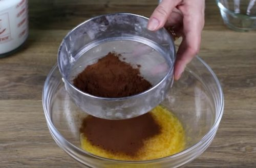 Шоколадные тонкие блины на молоке