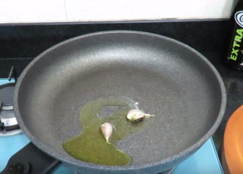 Паста карбонара с беконом без сливок