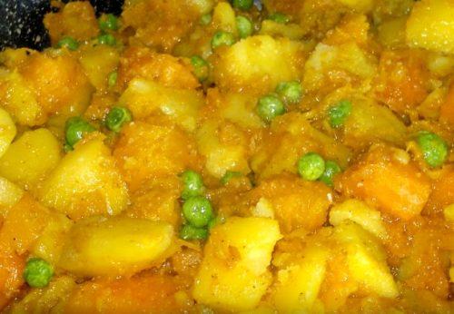 Овощное рагу из тыквы и картофеля