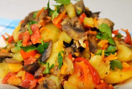 Овощное рагу с грибами и картофелем