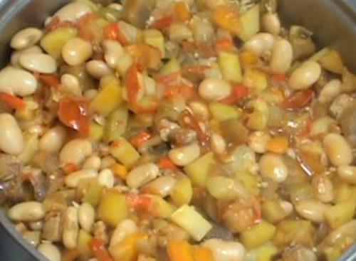 Рагу из овощей с мясом и фасолью
