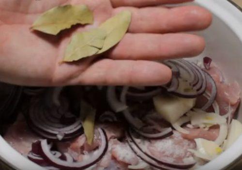 Шашлык из свинины в соевом соусе