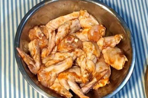 Куриные крылья в соусе ткемали