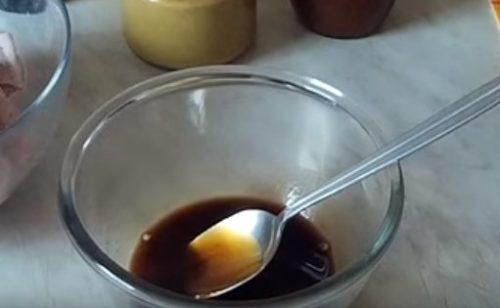 Куриные крылышки в соевом соусе с медом и горчицей