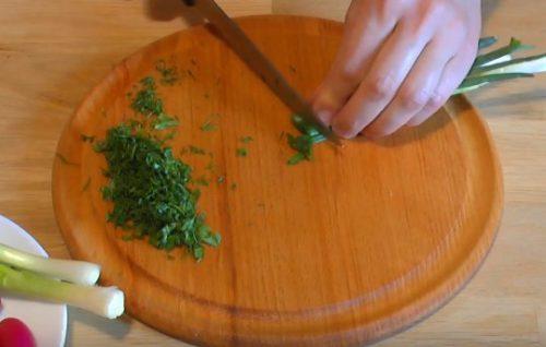 Окрошка на кефире с газировкой и телятиной