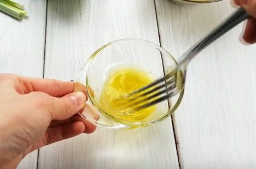Постный картофельный салат с хрустящим яблоком и кукурузой