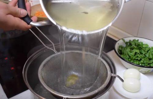 Щавелевый суп с пшеном