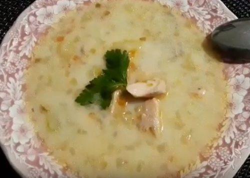 Сырный супчик с добавлением красной рыбы