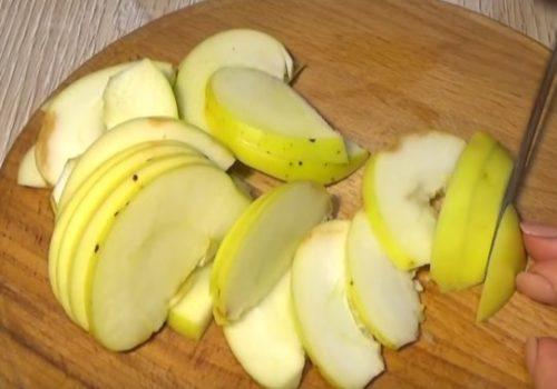 Творожная шарлотка с яблоками в духовке
