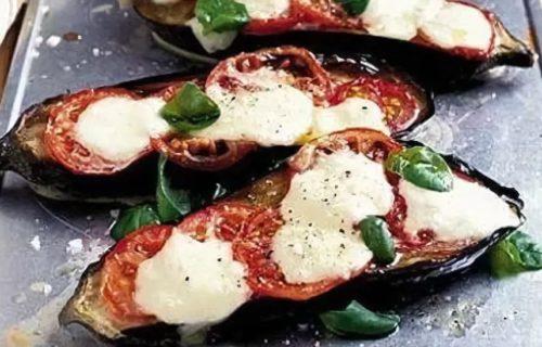 Баклажаны по-итальянски с помидорами, базиликом и моцарелой