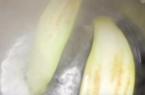 Печеные баклажаны с творогом и укропом