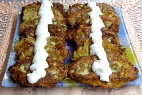 Нежные кабачковые оладьи с творогом и сыром