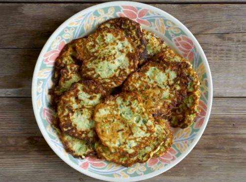 Оладьи из кабачков с зеленью и чесноком