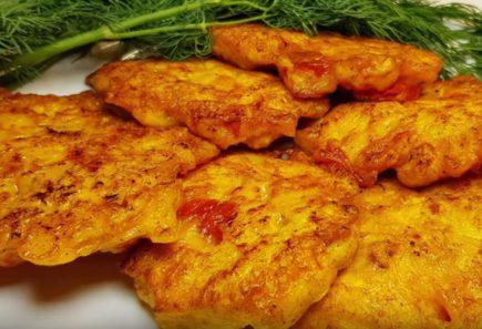Рецепт рубленных котлет из куриного филе с сладким перцем и помидорами