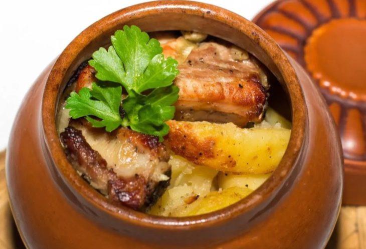 горшочки с картошкой и мясом в духовке рецепт