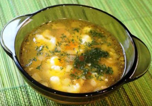Суп из цветной капусты с курицей и гречкой