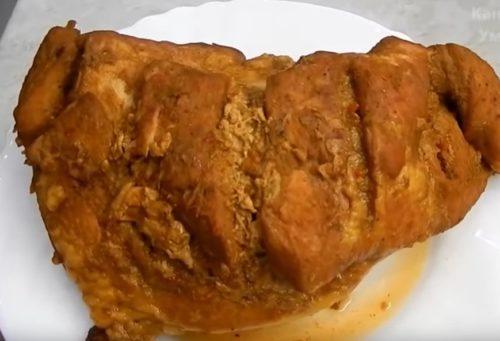 Буженина из свиного окорока с имбирным соусом — готовим в рукаве