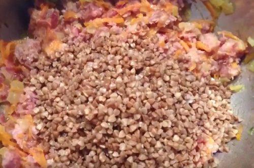 Гречневая каша с тушенкой — пошаговый рецепт