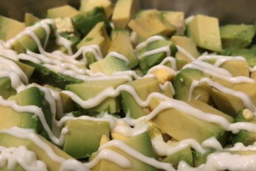 Новогодний салат с креветками и крабовыми палочками