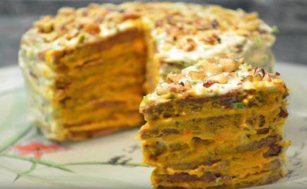Праздничный печеночный торт с орехами