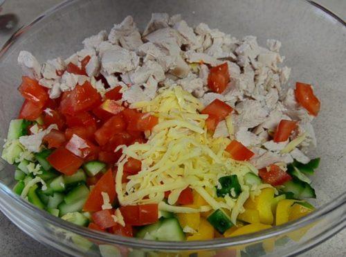 Рецепт салата из авокадо, курицы и овощей