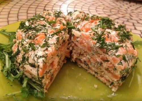 Блинный закусочный торт из красной рыбы с творожным сыром