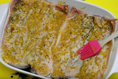 Как запечь скумбрию в горчичном маринаде