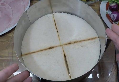 Рецепт закусочного торта с ветчиной из тостового хлеба