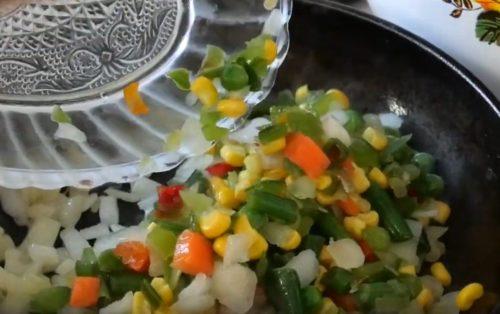 Скумбрия в духовке фаршированная с овощами и грибами