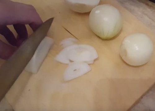 Скумбрия в духовке с морковью, луком и картошкой