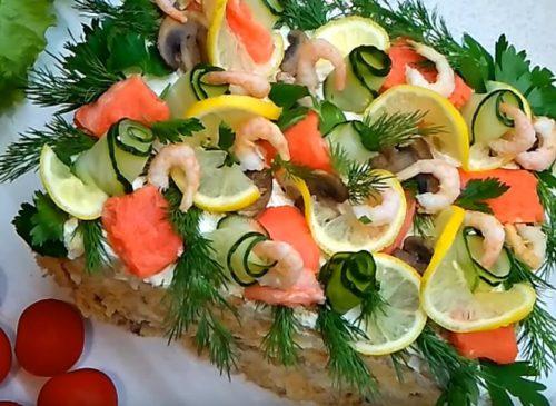 Закусочный торт Наполеон из слоеного теста и рыбы