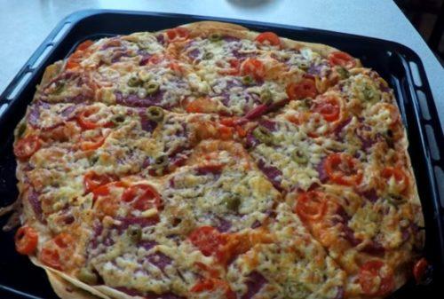 Быстрая домашняя пицца на лаваше — готовим в духовке