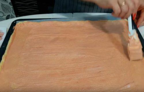 Вкусная домашняя пицца с вареной колбасой