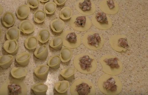 Вкусные домашние пельмени – тесто на растительном масле, начинка из свинины