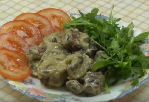Альтернативный рецепт — бефстроганов из говядины в сливочном соусе