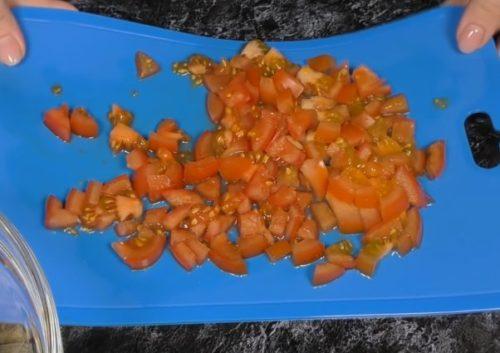 Салат с корейской морковью и копченой курицей
