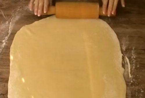 Домашняя самса из слоеного теста с мясом своими руками