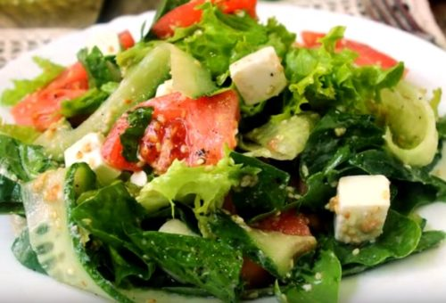 Как приготовить салат свежих из огурцов, помидоров и сыра Фета
