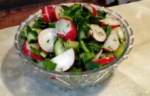 Салат из редиски с сельдереем