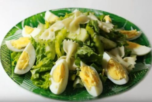 Салат с макаронами бантиками